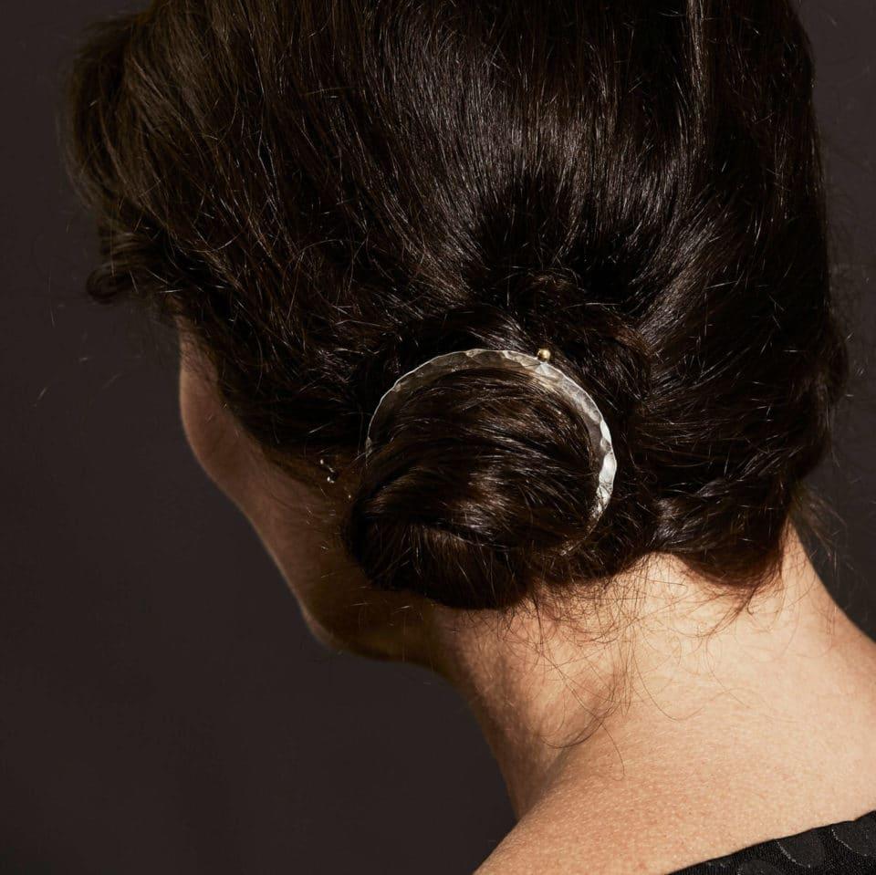 Pernille Müller – Broche i håret