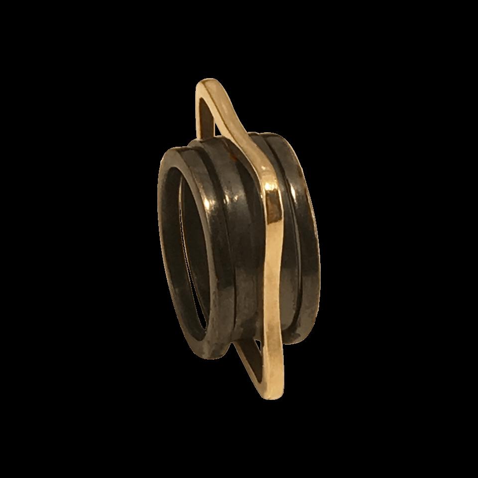 KANT ring og FIKS sideringe i oxideret sølv med guldkant