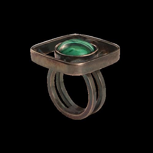 Pernille Müller - RAFFI - Ring i oxideret sølv med smykkesten i Malakit