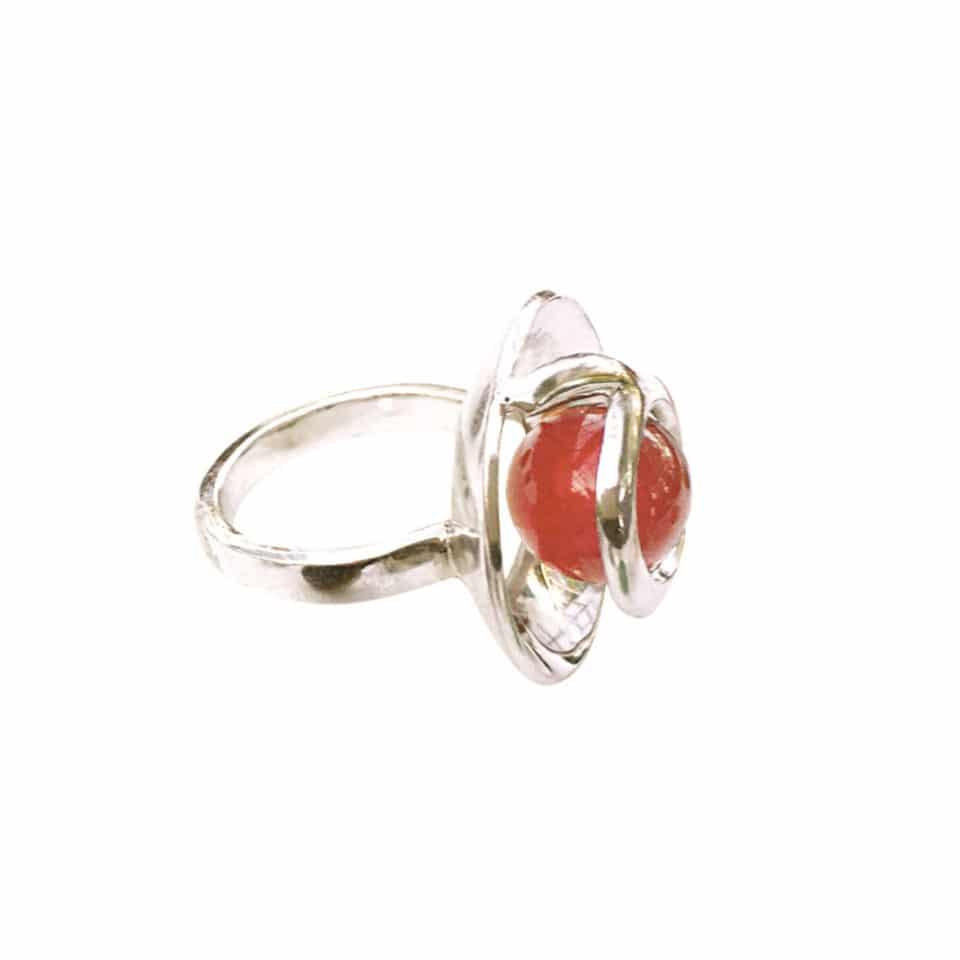 Venus ring med rød agat