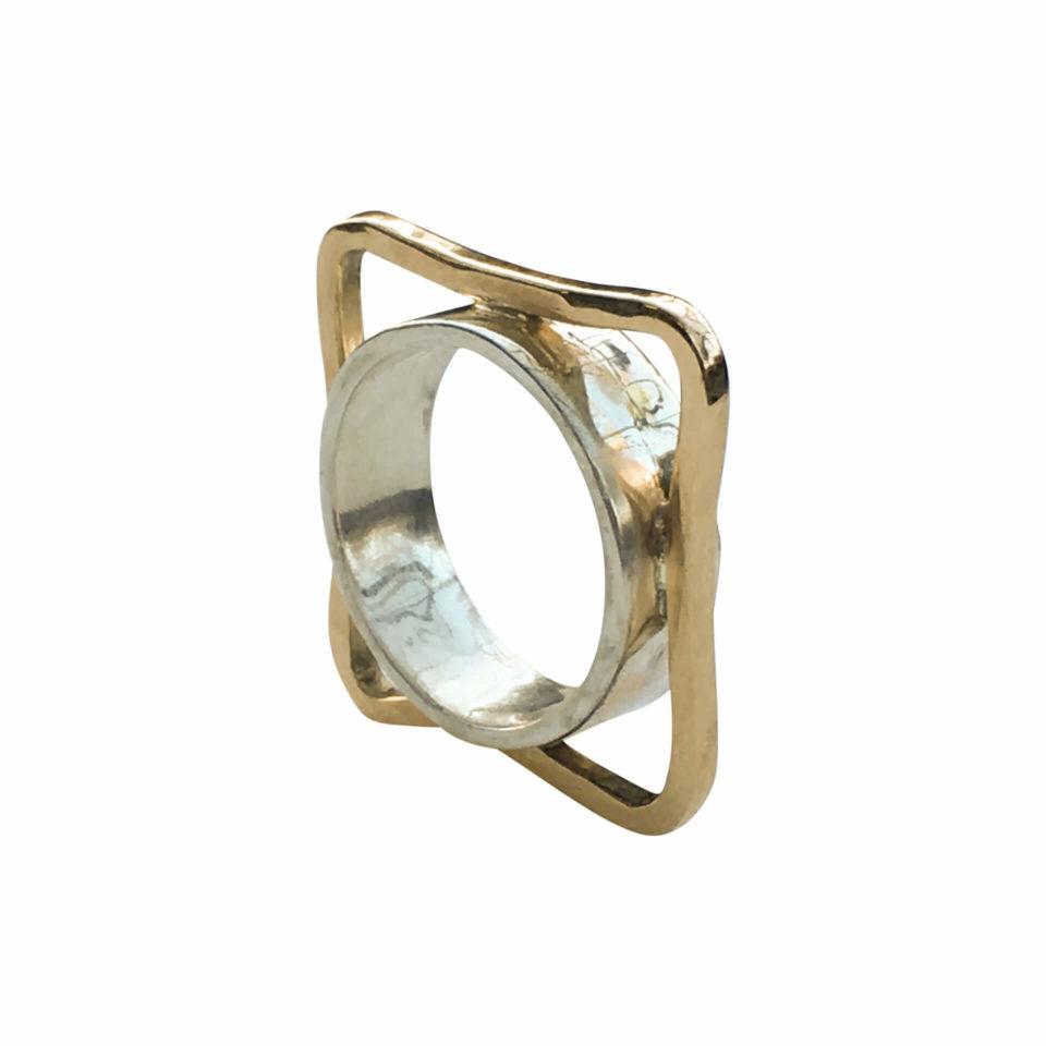 Kant i sterling sølv med kant af 14 karat guld 3