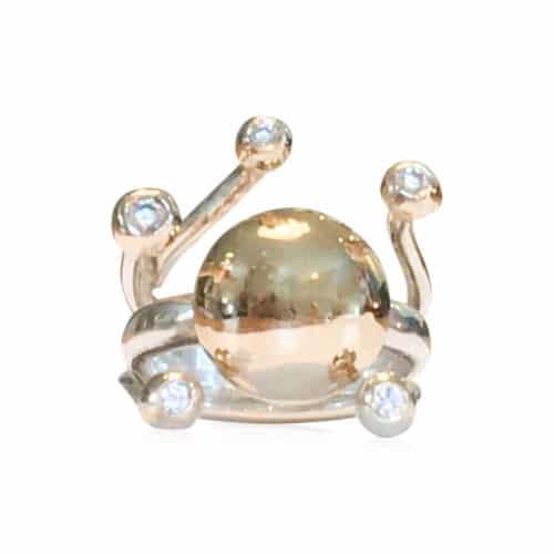 Pernille Müller - HARMONI - guldring med guldknopper og diamanter