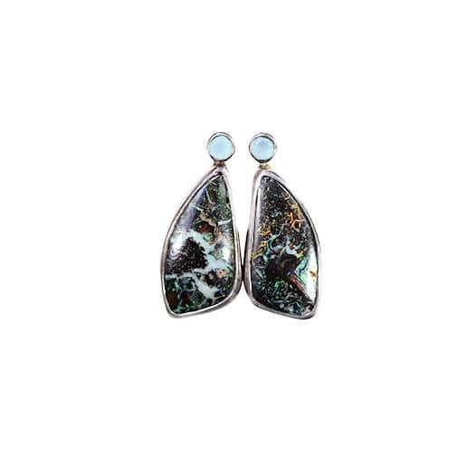 Øreringe med opal og chalcedony
